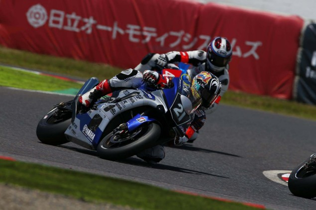 Yamaha-Factory-Racing-Team-2015-Suzuka-8-hour-02