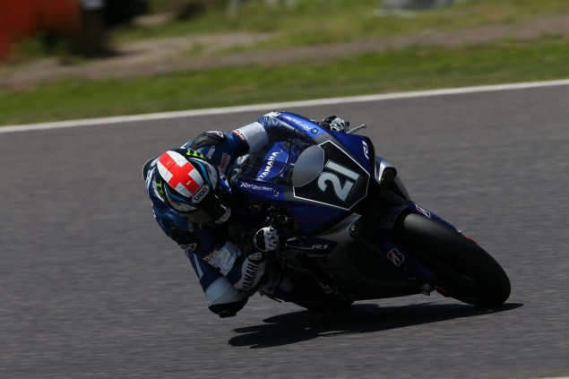 Yamaha-Factory-Racing-Team-2015-Suzuka-8-hour-09