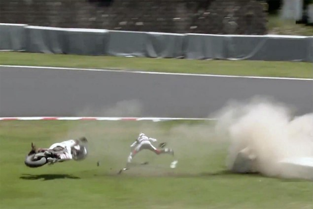 casey-stone-crash-suzuka-8-hour-2015