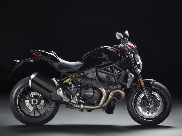 2016-Ducati-Monster-1200-R-studio-03