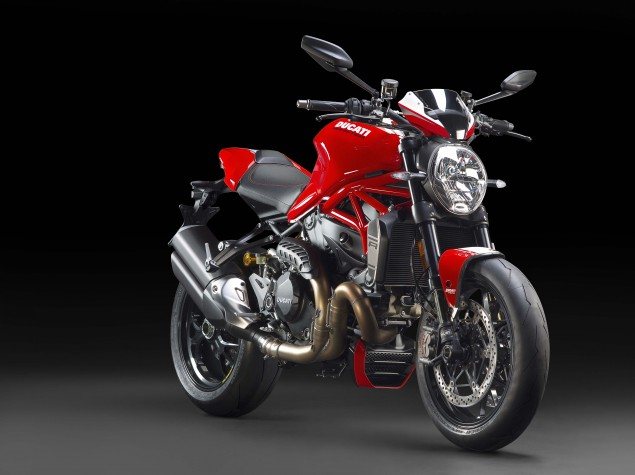 2016-Ducati-Monster-1200-R-studio-09