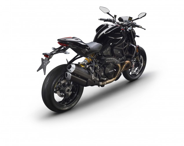 2016-Ducati-Monster-1200-R-studio-11