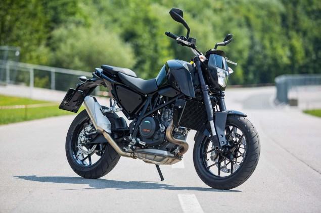 2016-KTM-690-Duke-update-07