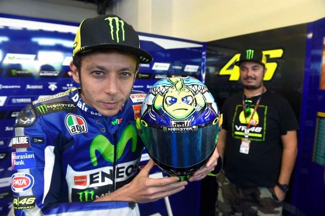 Valentino-Rossi-2015-Misano-AGV-PIsta-Helmet-02
