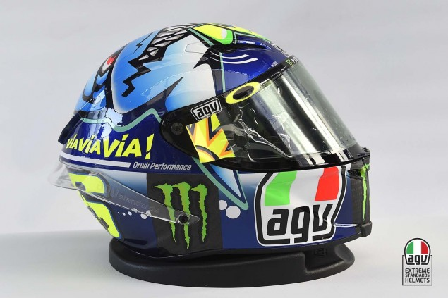Valentino-Rossi-2015-Misano-AGV-PIsta-Helmet-04