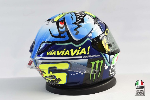 Valentino-Rossi-2015-Misano-AGV-PIsta-Helmet-05