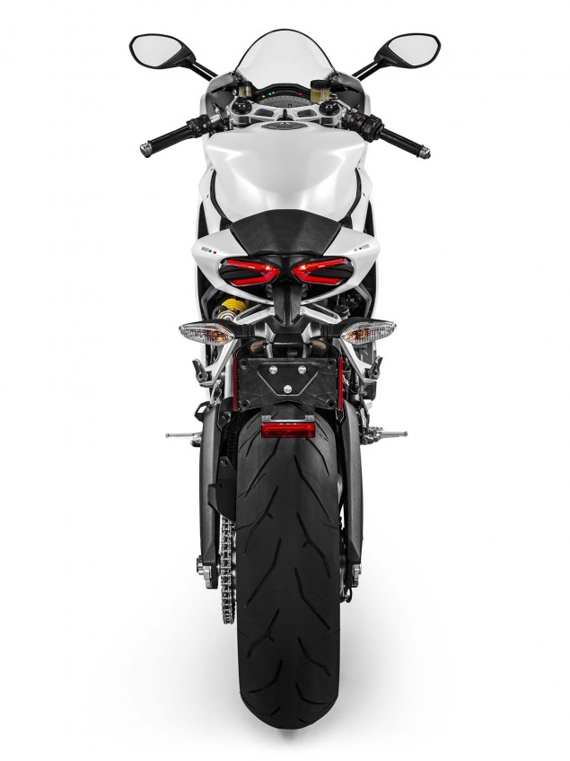 2016-Ducati-959-Panigale-USA-model-22