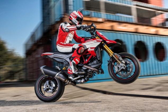 2016-Ducati-Hypermotard-939-SP-02