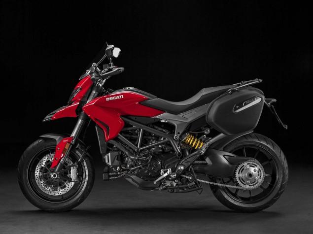 2016-Ducati-Hyperstrada-939-06