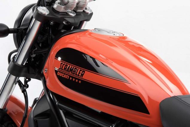2016-Ducati-Scrambler-Sixty2-13