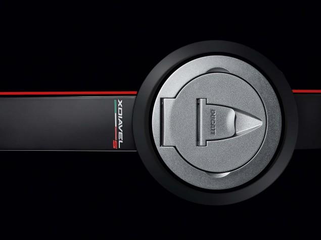 2016-Ducati-XDiavel-S-08