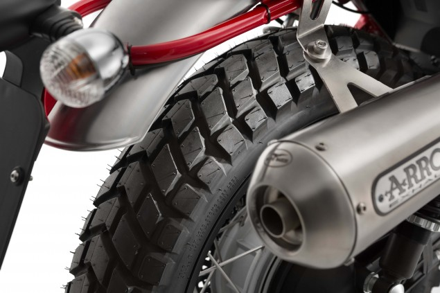 2016-Moto-Guzzi-V7II-Stornell-09