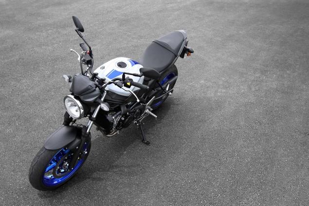 2016-Suzuki-SV650-A-action-12