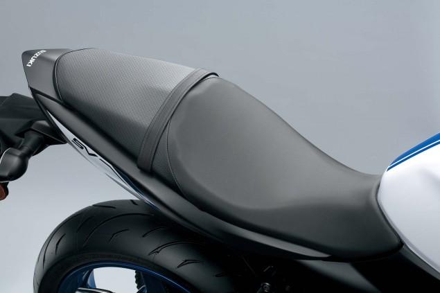 2016-Suzuki-SV650-A-details-20