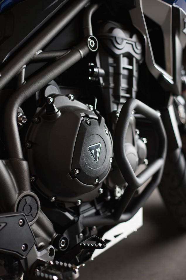 2016-Triumph-Tiger-Explorer-XCa-04