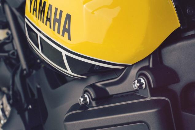 2016-Yamaha-XSR900-details-20