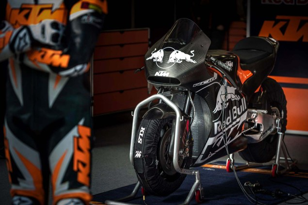 KTM-RC16-MotoGP-race-bike-philip-platzer-04