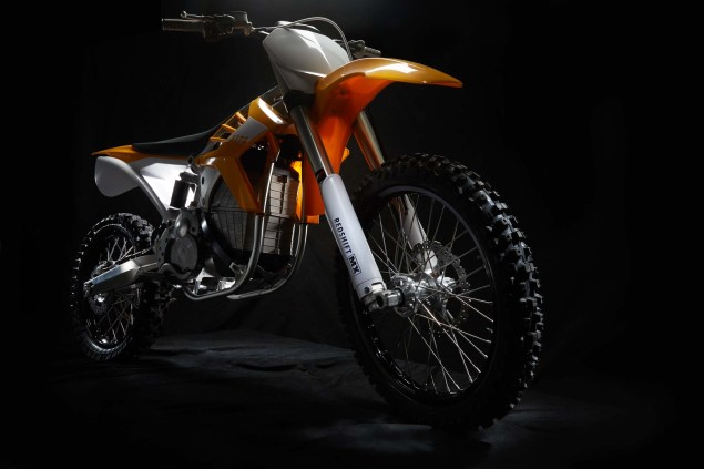 Alta-Motors-Redshift-MX-first-delivery-01