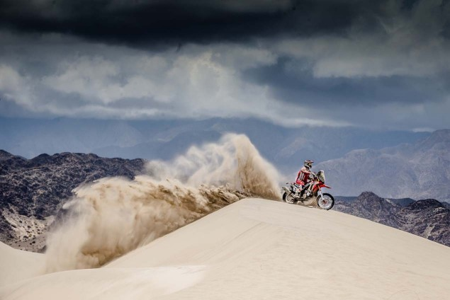 2016-Dakar-Rally-Stage-11-HRC-01