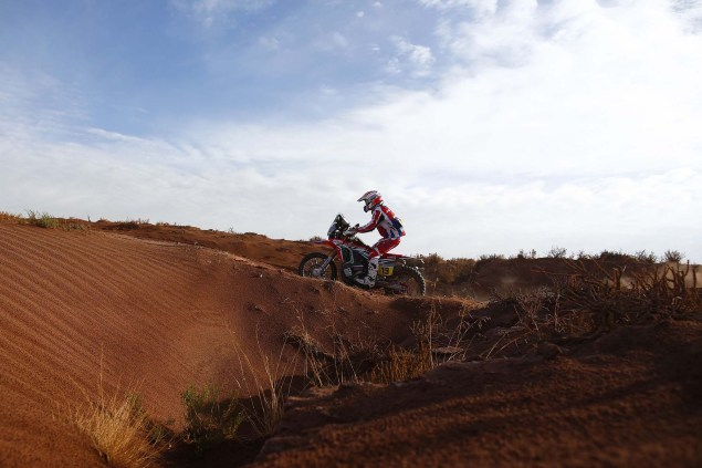 2016-Dakar-Rally-Stage-7-HRC-01