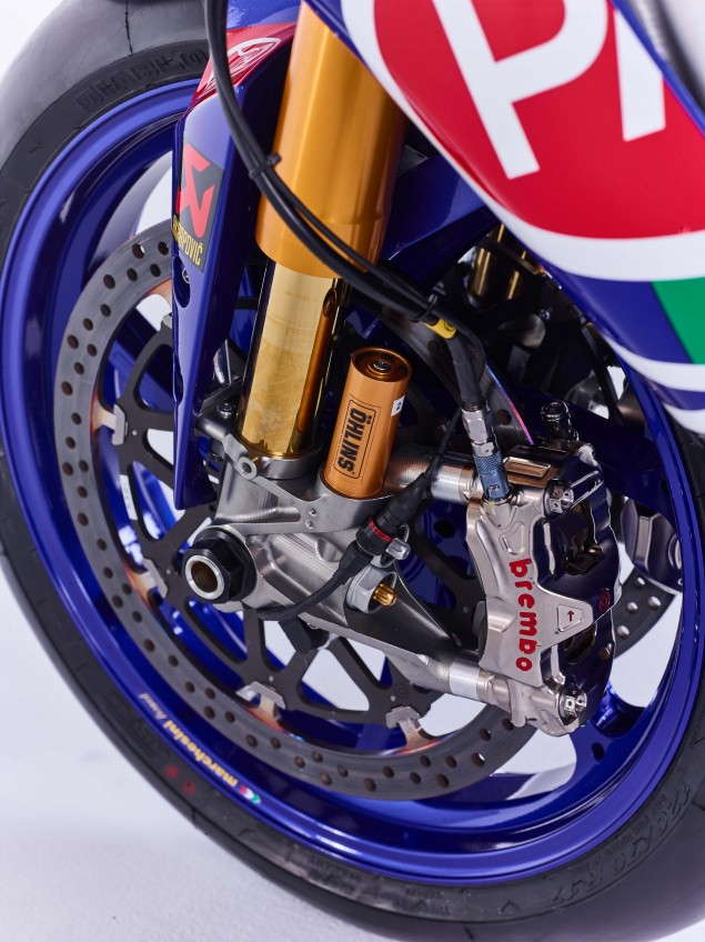 2016-Yamaha-YZF-R1-World-Superbike-24