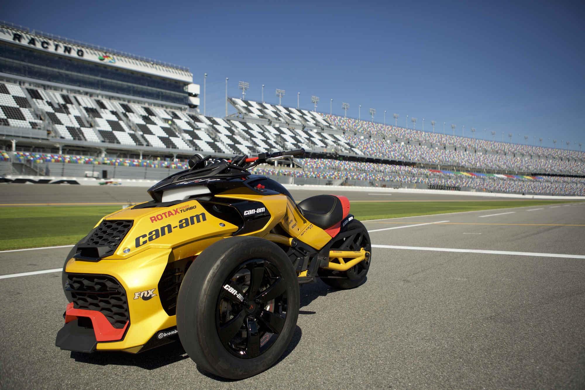 turbocharged can am spyder f3 concept asphalt rubber. Black Bedroom Furniture Sets. Home Design Ideas