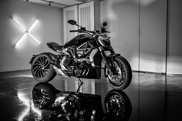 Ducati-XDiavel-S-San-Diego-studio-action-08