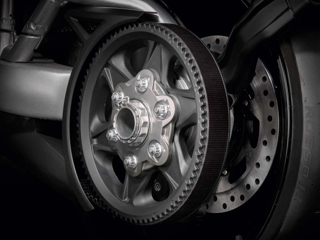 Ducati-XDiavel-S-San-Diego-studio-action-31