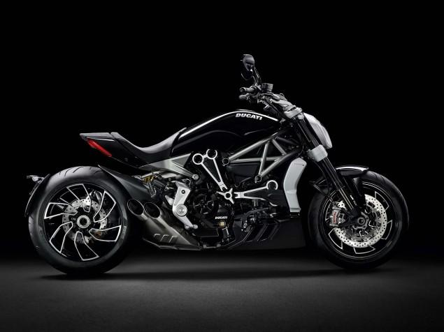 Ducati-XDiavel-S-San-Diego-studio-action-40
