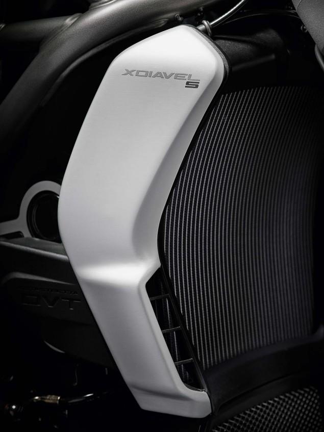 Ducati-XDiavel-S-San-Diego-studio-action-45