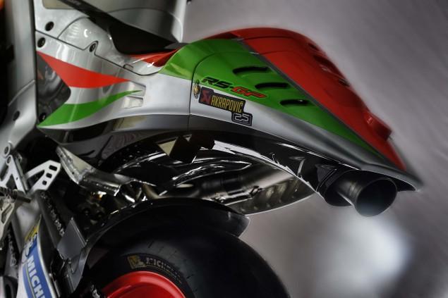 2016-Aprilia-RS-GP-MotoGP-16