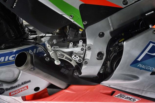 2016-Aprilia-RS-GP-MotoGP-20