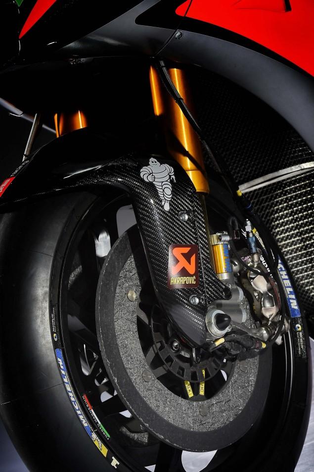 2016-Aprilia-RS-GP-MotoGP-23