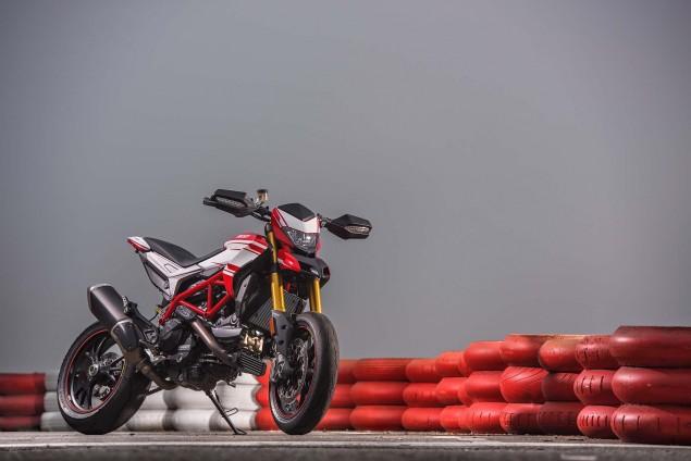 2016-Ducati-Hypermotard-939-SP-14