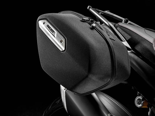 2016-Ducati-Hyperstrada-939-11