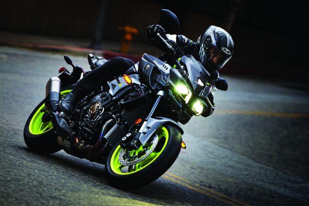 2017-Yamaha-FZ-10-USA-17