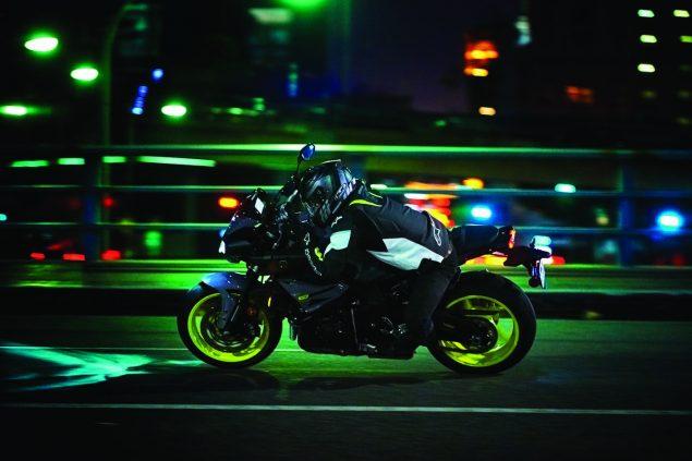 2017-Yamaha-FZ-10-USA-18