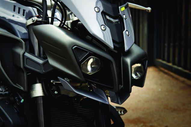 2017-Yamaha-FZ-10-USA-27