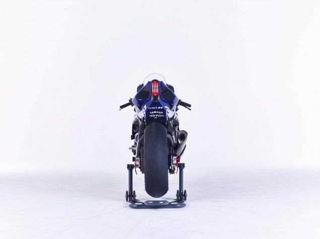 GMT94-Yamaha-YZF-R1-Official-EWC-race-bike-23