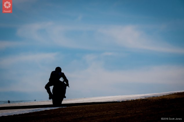 2016-WSBK-Laguna-Seca-Saturday-silhouette