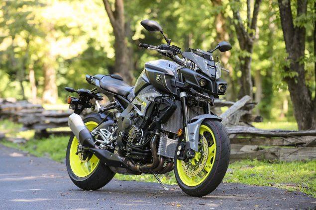 2017-Yamaha-FZ-10-static-02