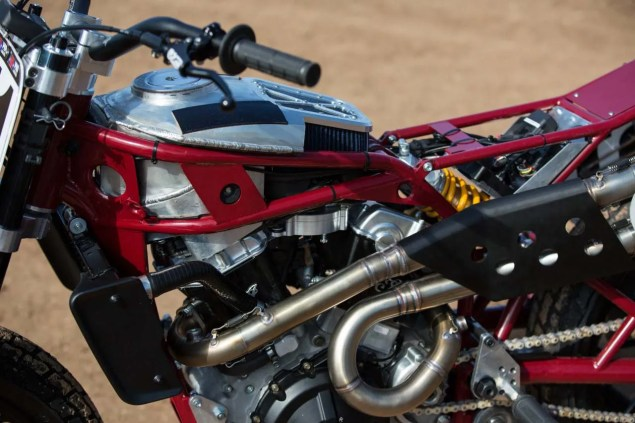 Indian-Scout-FTR750-flat-track-race-bike-01