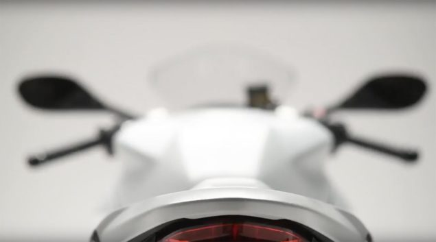 2017-ducati-supersport-teaser