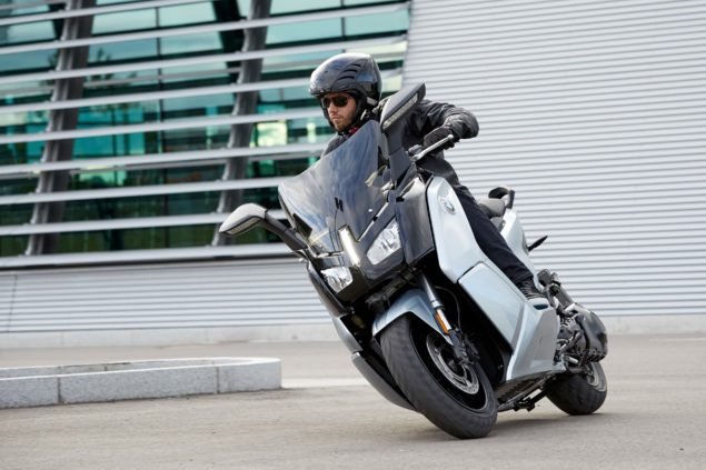 bmw-c-evolution-electric-scooter-action-usa-19