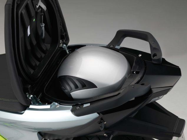 bmw-c-evolution-electric-scooter-studio-usa-05