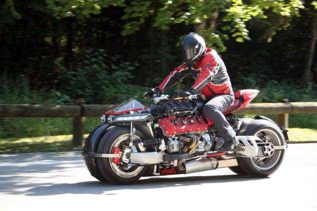 lazareth-lm847-leaning-four-wheeler-01