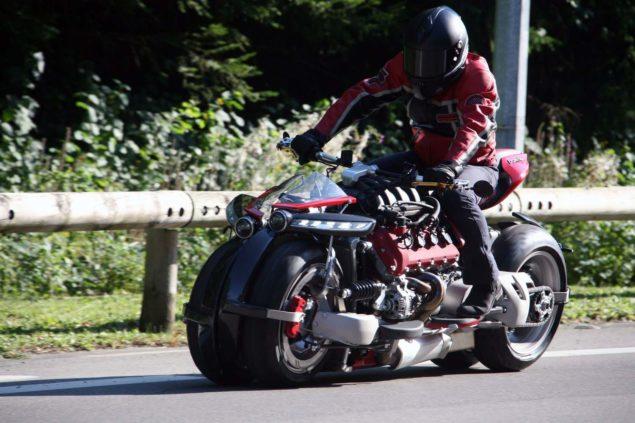 lazareth-lm847-leaning-four-wheeler-02