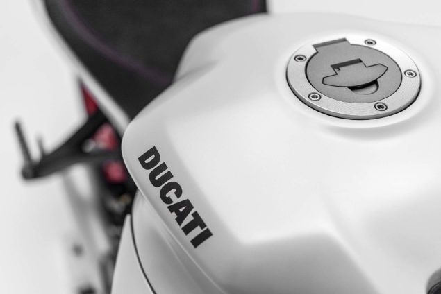 2017-ducati-supersport-s-15