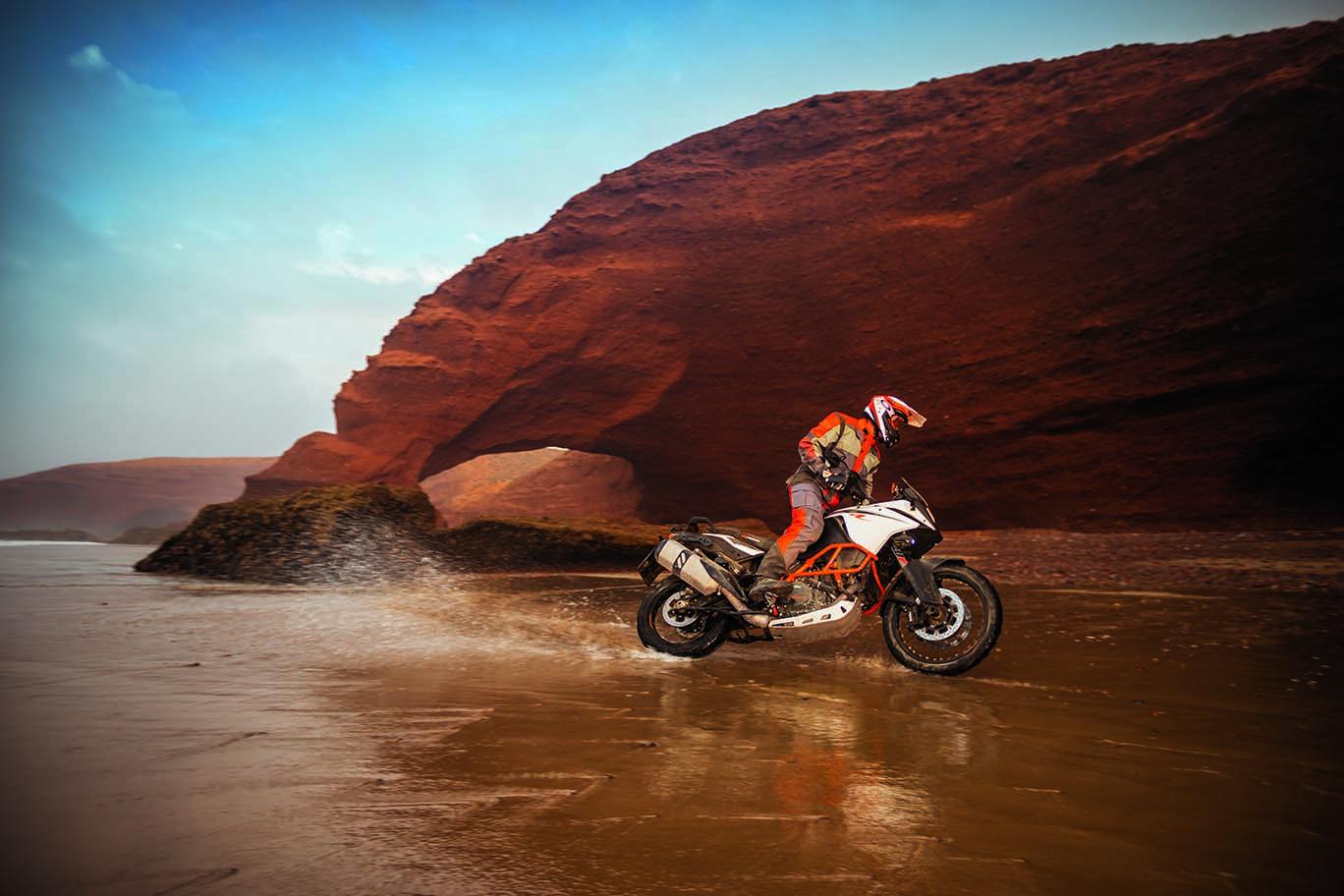KTM 1090 Adventure R - A Milder Insane ADV Bike - Asphalt ...
