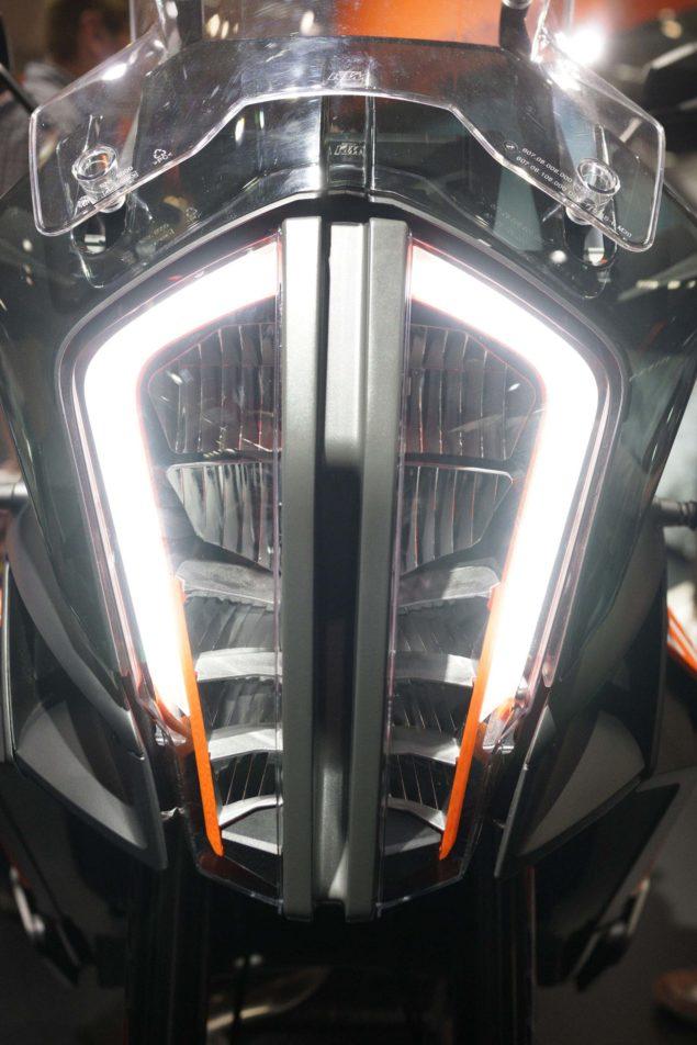 2017-ktm-1290-super-adventure-s-motofire-30